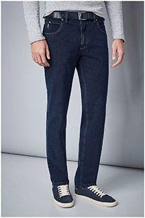 5-Pocket-Jeanshose mit Stretch und einem Gürtel von Pionier.